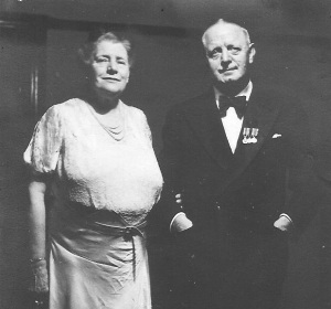 Minnie Humphreys Barrett (van den Bosch) and Harold Jowitt fluent Swahili and Zulu linguist